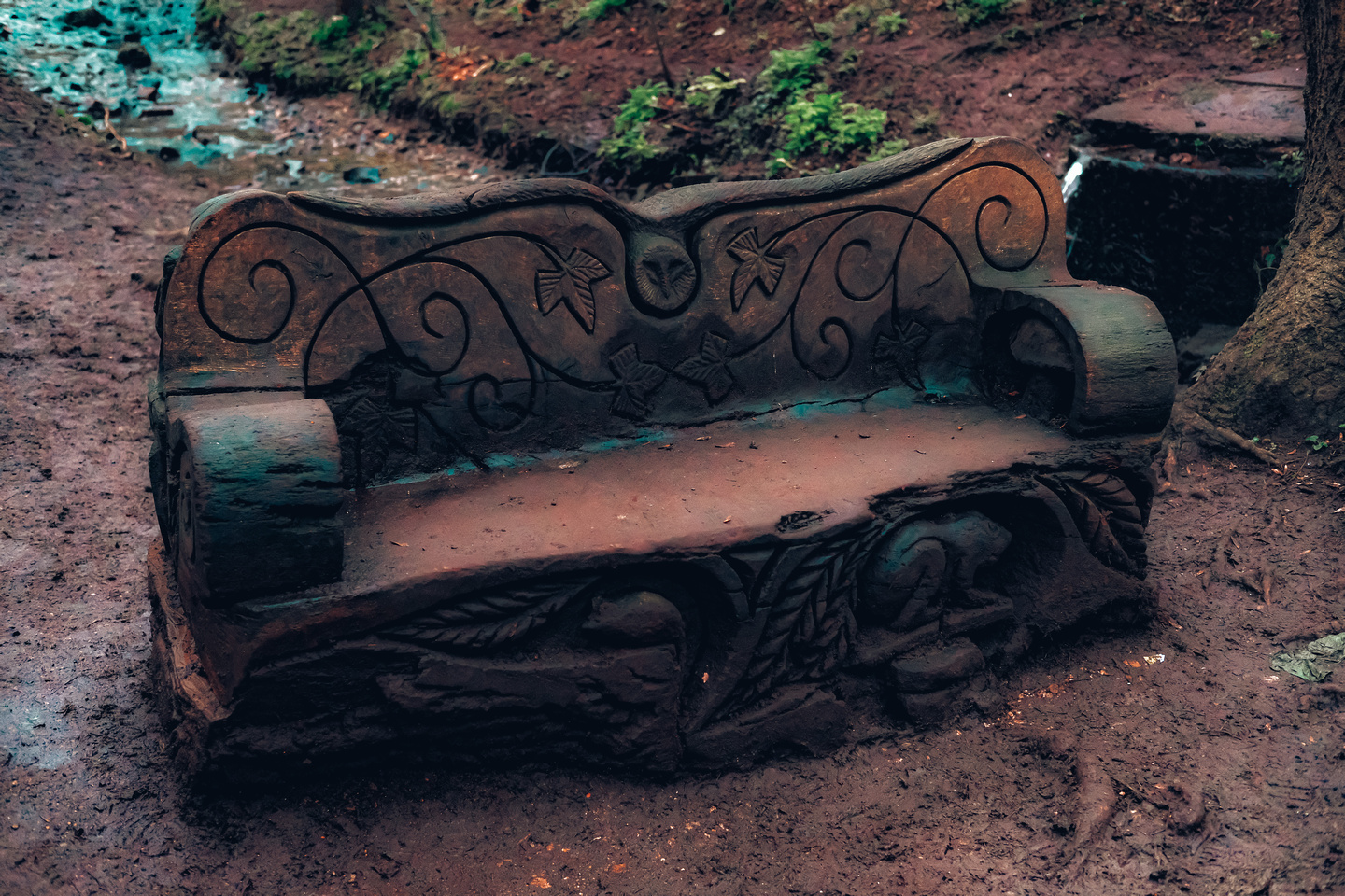 Carved bench at Badock's Wood